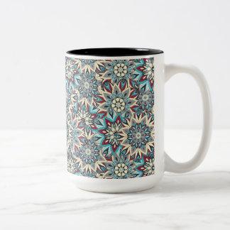 Caneca De Café Em Dois Tons Design floral do teste padrão do abstrato da