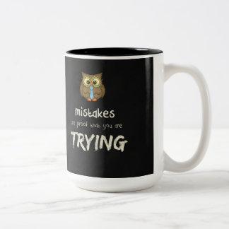Caneca De Café Em Dois Tons Erros