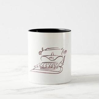 Caneca De Café Em Dois Tons Esboço da máquina de escrever do vintage,