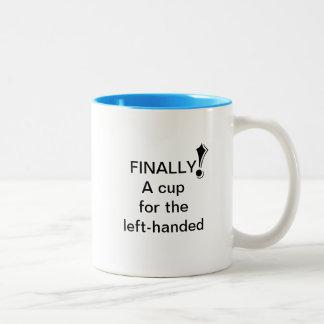 Caneca De Café Em Dois Tons Finalmente! Um copo para o canhoto (L)