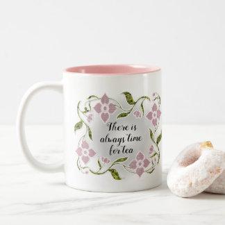 Caneca De Café Em Dois Tons Flores e videiras femininos elegantes do rosa do