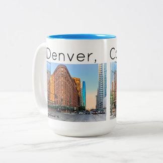 Caneca De Café Em Dois Tons Hotel majestoso no por do sol, Denver do palácio