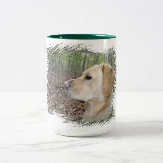 Caneca De Café Em Dois Tons Labrador no alerta - tom dois