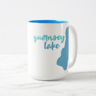 Caneca De Café Em Dois Tons Lago guernsey, Delton, Michigan