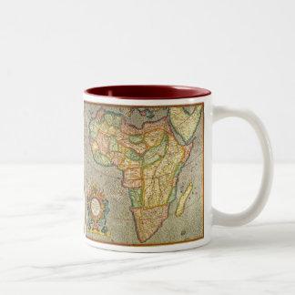Caneca De Café Em Dois Tons Mapa antigo de Mercator do Velho Mundo de África,