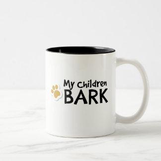 Caneca De Café Em Dois Tons Meu latido das crianças - presentes engraçados