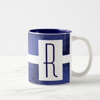 Caneca De Café Em Dois Tons Monograma salpicado azul
