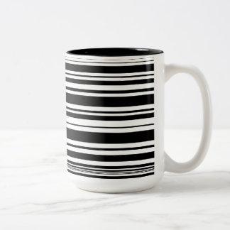 Caneca De Café Em Dois Tons Multidões de listras preto e branco desiguais