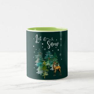 Caneca De Café Em Dois Tons Natal, inverno. Deixais lhe para nevar. Floresta