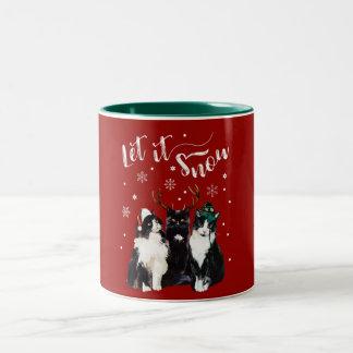 Caneca De Café Em Dois Tons Natal, inverno. Deixais lhe para nevar. Gatos,
