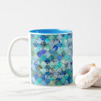 Caneca De Café Em Dois Tons O azul verde não intromete nos casos dos dragões