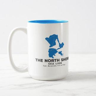 Caneca De Café Em Dois Tons O recipiente de bebida norte do leão de mar da