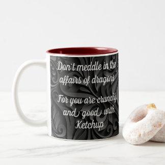 Caneca De Café Em Dois Tons O rolo escuro não intromete nos casos dos dragões