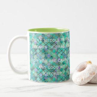 Caneca De Café Em Dois Tons O verde não intromete nos casos dos dragões