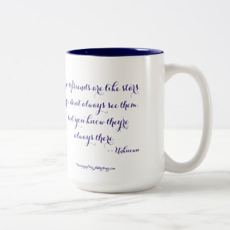 Caneca De Café Em Dois Tons Os bons amigos são como estrelas…