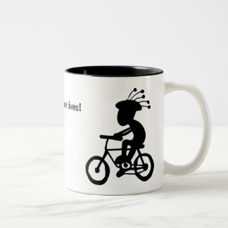 Caneca De Café Em Dois Tons Os capacetes salvar vidas! Kokopelli com e sem.