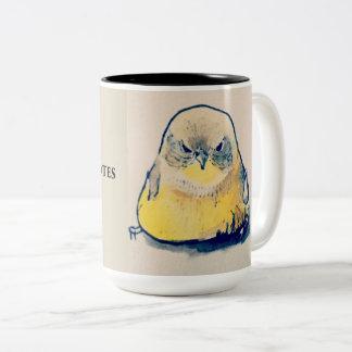 Caneca De Café Em Dois Tons Pássaro irritado antes do café & das citações