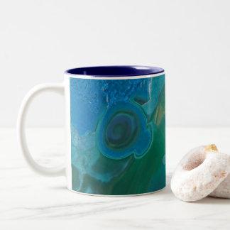 Caneca De Café Em Dois Tons Pedra de gema marmoreada azul e verde brilhante