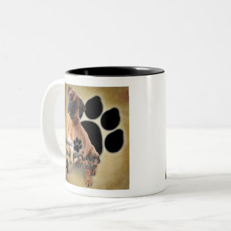 Caneca De Café Em Dois Tons Pegadas da licença dos cães do pugilista em seu