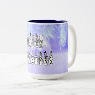 Caneca De Café Em Dois Tons Pessoas da pia batismal da neve do Feliz Natal,