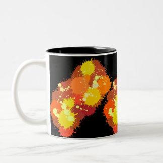 Caneca De Café Em Dois Tons Pintura do respingo do amarelo alaranjado do verão