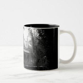 Caneca De Café Em Dois Tons Plantação dos Myrtles em preto e branco