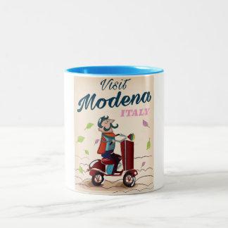 Caneca De Café Em Dois Tons Poster de viagens do patinete de Modena Italia