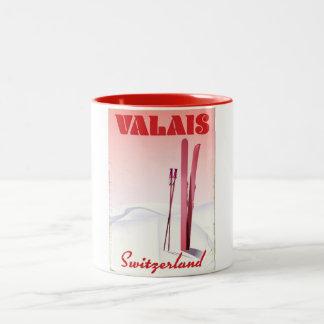Caneca De Café Em Dois Tons poster do esqui do estilo do vintage da suiça de