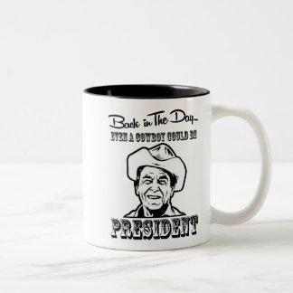 Caneca De Café Em Dois Tons Presidente Ronald Reagon