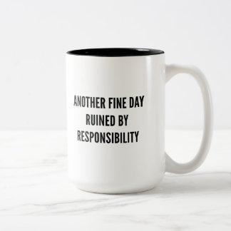 Caneca De Café Em Dois Tons Responsabilidade