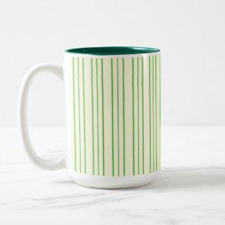 Caneca De Café Em Dois Tons Riscas de creme e verdes