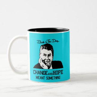 Caneca De Café Em Dois Tons Ronald Reagan - mudança e esperança