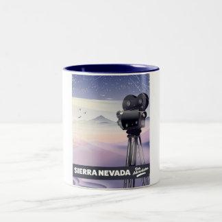 Caneca De Café Em Dois Tons Serra poster de viagens de Nevada