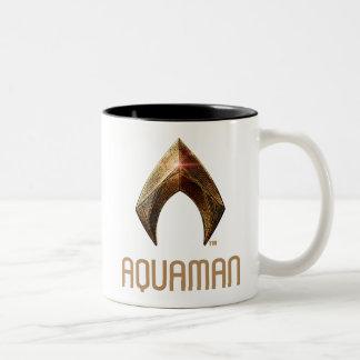 Caneca De Café Em Dois Tons Símbolo metálico da liga de justiça | Aquaman