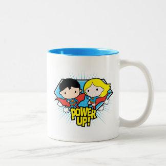Caneca De Café Em Dois Tons Superman de Chibi & poder de Chibi Supergirl