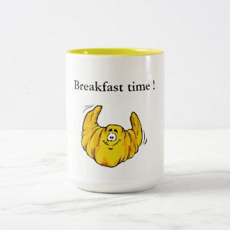 Caneca De Café Em Dois Tons Tempo de pequeno almoço e croissant!
