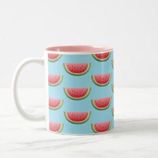 Caneca De Café Em Dois Tons Teste padrão da melancia na cor azul do fundo