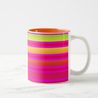 Caneca De Café Em Dois Tons Teste padrão listrado Coloured