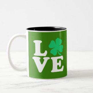 Caneca De Café Em Dois Tons Trevo do amor - o dia de St Patrick