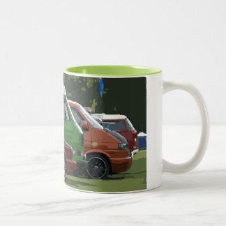 Caneca De Café Em Dois Tons Uma imagem clássica da arte da formação do carro