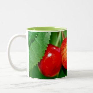 Caneca De Café Em Dois Tons Vinho ou café da cereja…