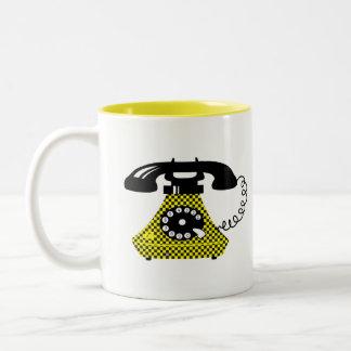 Caneca De Café Em Dois Tons Vintage à moda do telefone retro engraçado dos