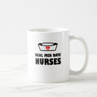 Caneca De Café Enfermeiras reais da data dos homens