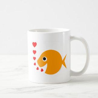 Caneca de café engraçada bonito do peixe dourado