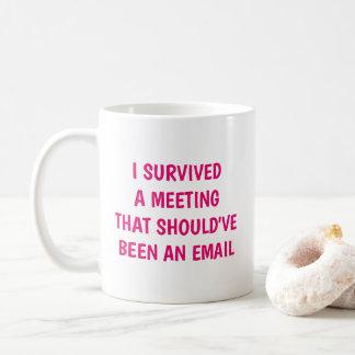 Caneca De Café Engraçado eu sobrevivi a uma piada do escritório