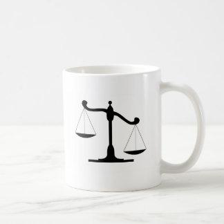 Caneca De Café Escala de justiça