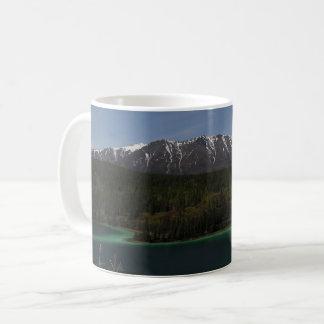 Caneca de café esmeralda de Yukon do lago