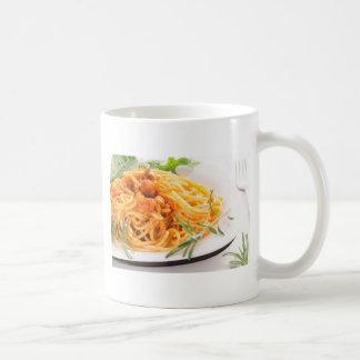 Caneca De Café Espaguetes italianos com o close up vegetal do