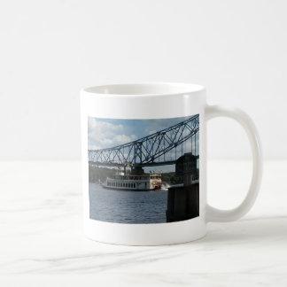 Caneca De Café Espírito de Dubuque no rio Mississípi