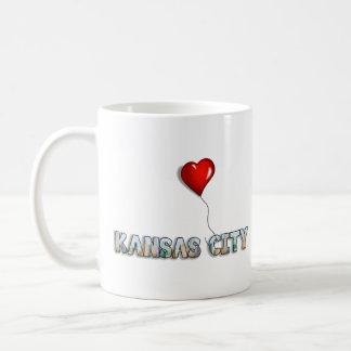Caneca De Café Eu amo Kansas City com skyline do KC dentro das